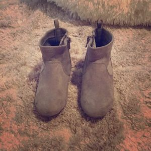Suede toddler boots